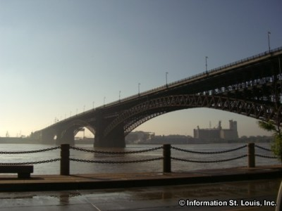 Eads Bridge in early morning fog