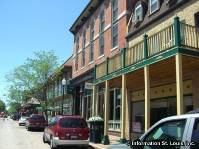Historic St Charles Shopping