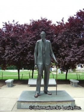 Robert Wadlow the Alton Giant
