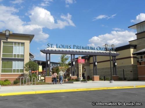 St. Louis Premium Outlets
